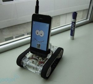 Romo, uno smartphone con i cingoli - Pareri e Pensieri